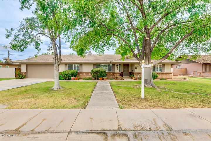 Custom built ranch estate home located in Historic Shalimar Estates golf course community. Come see why this area is so desired.