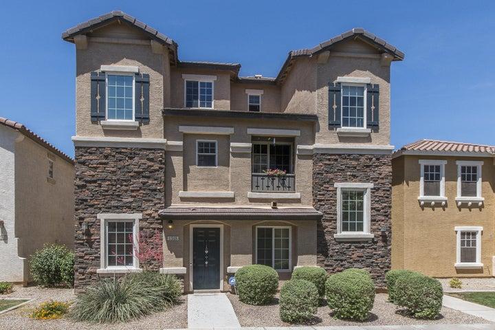 1348 S SABINO Drive, Gilbert, AZ 85296