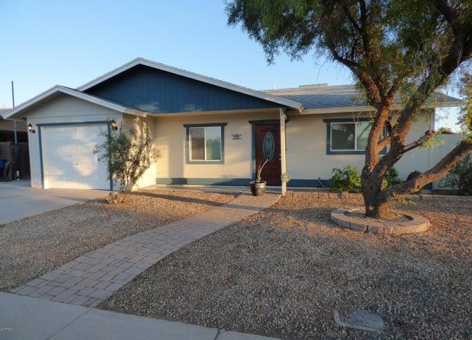 2745 E HOLMES Avenue, Mesa, AZ 85204