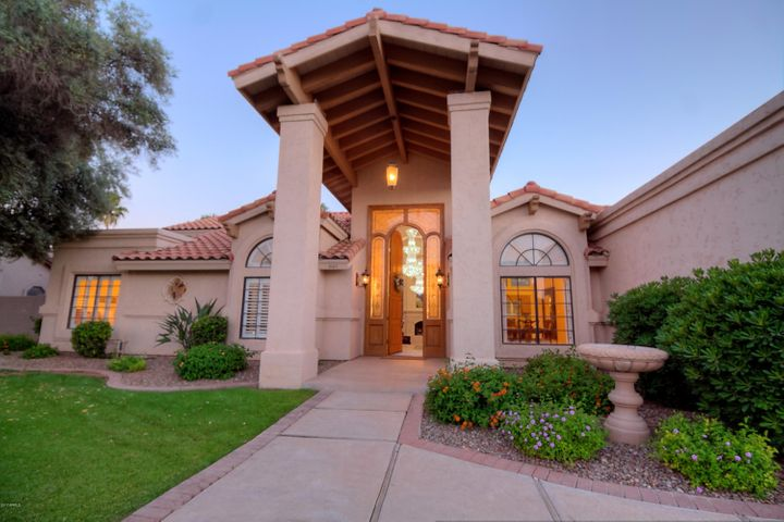 2127 E FREEPORT Lane, Gilbert, AZ 85234