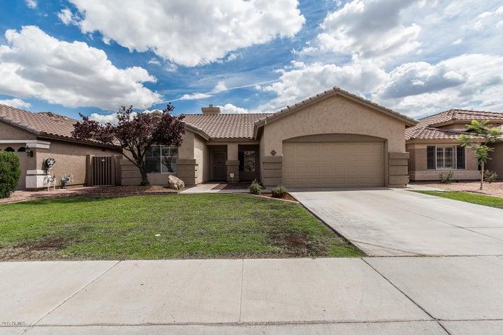 661 W DOUGLAS Avenue, Gilbert, AZ 85233