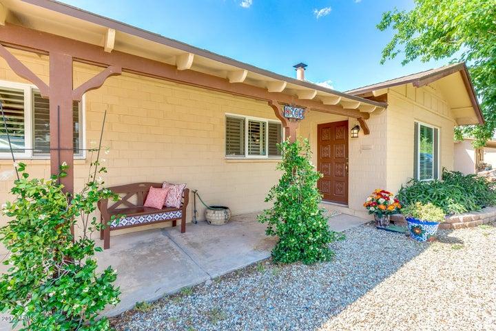 8706 E THORNWOOD Drive, Scottsdale, AZ 85251