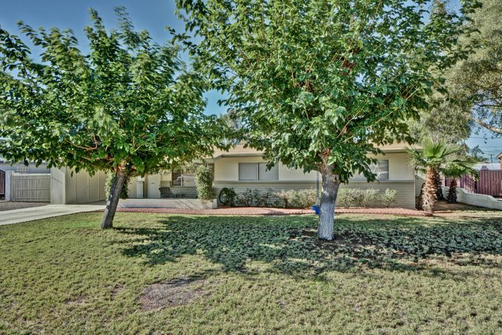 Come see this amazing well maintained home with workshop/studio