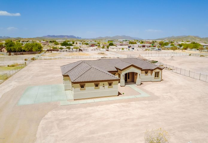 28102 N EDWARDS Road, San Tan Valley, AZ 85143
