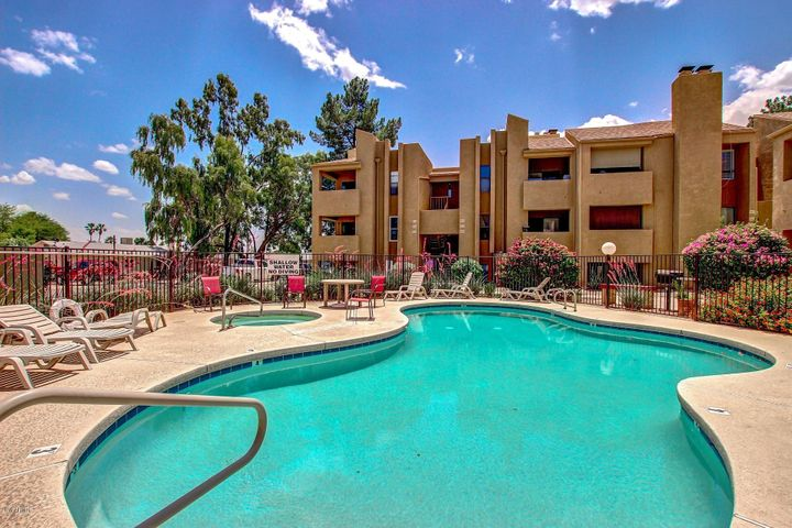 Beautiful Condo Complex in the heart of Old Town Scottsdale