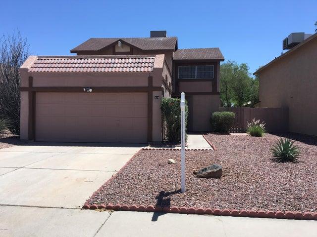 721 N HAZELTON Drive, Chandler, AZ 85226