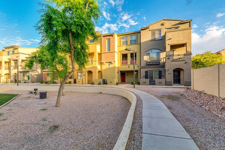 Beautiful 3 bedroom unit in highly desirable Villagio community.