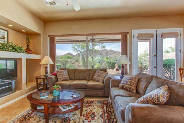 Gorgeous mountain views from the moment you enter your front door!