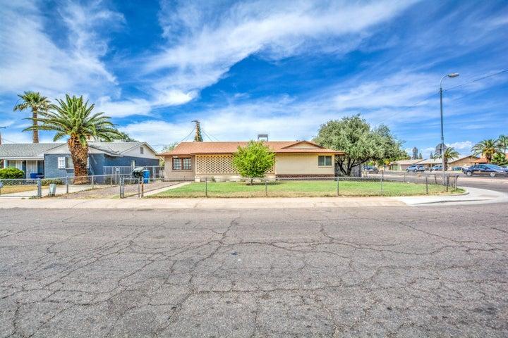 6702 W HIGHLAND Avenue, Phoenix, AZ 85033
