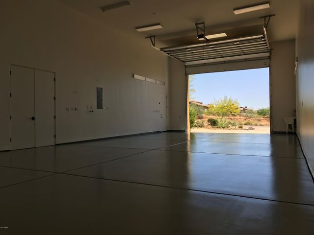 24 x 60 - 1,200 sq ft Fully Insulated Shop/RVGarage/Office/Warehouse with a separate AC unit. Powered for a car lift and air compressor.