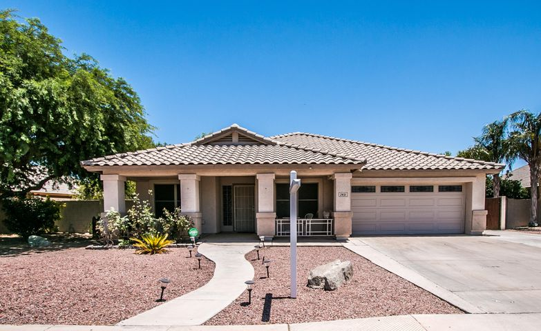 2451 E FAIRVIEW Street, Chandler, AZ 85225