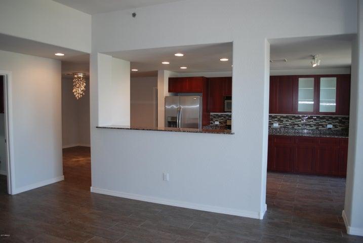 17 W VERNON Avenue, 412, Phoenix, AZ 85003