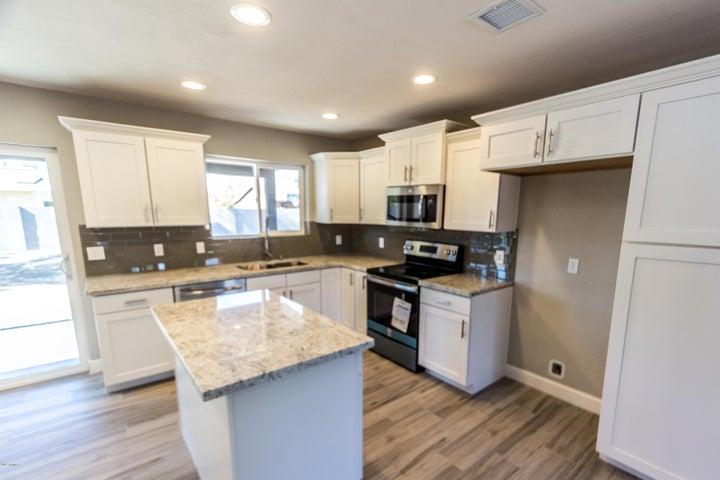308 E MERRILL Avenue, Gilbert, AZ 85234