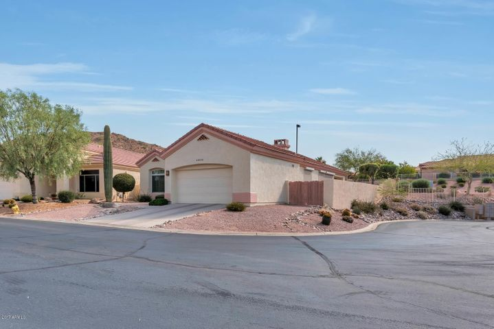 Meticulous 3 bedroom, 2 bath home in the Sienna Hills gated community in Red Mountain Ranch
