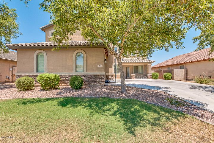724 W HOLSTEIN Trail, San Tan Valley, AZ 85143