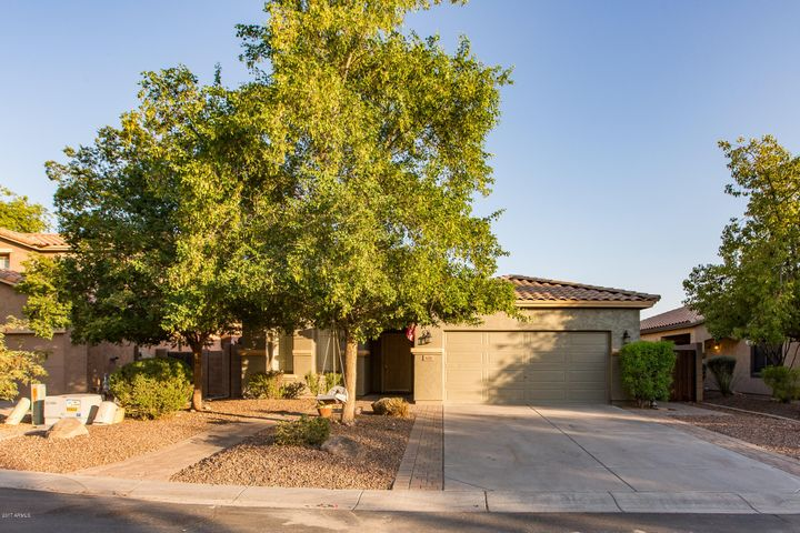 621 E HAROLD Drive, San Tan Valley, AZ 85140