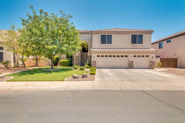 1091 S ROLES Drive, Gilbert, AZ 85296