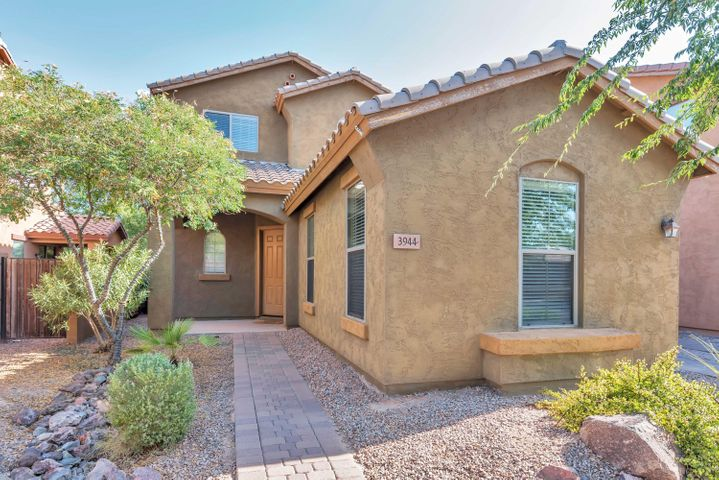 3944 E FAIRVIEW Street, Gilbert, AZ 85295