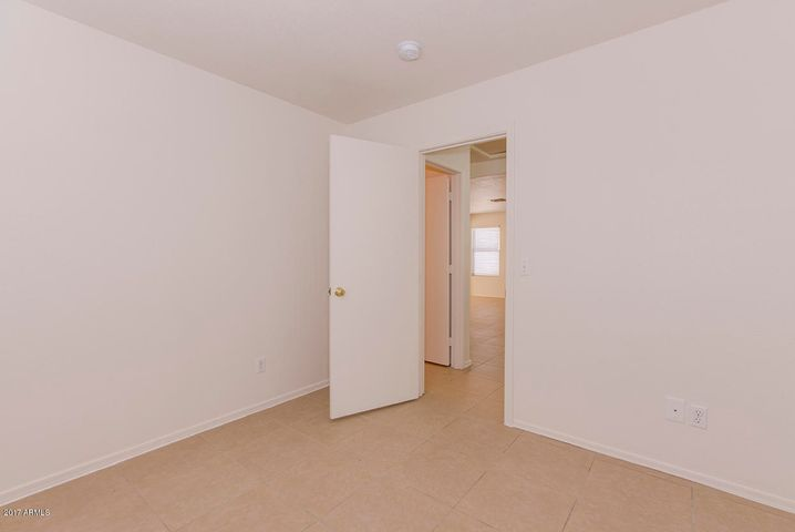 11631 W LOBO Drive, Arizona City, AZ 85123