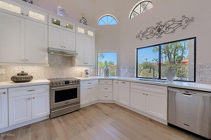 Stunning All New Gorgeous Custom Kitchen !