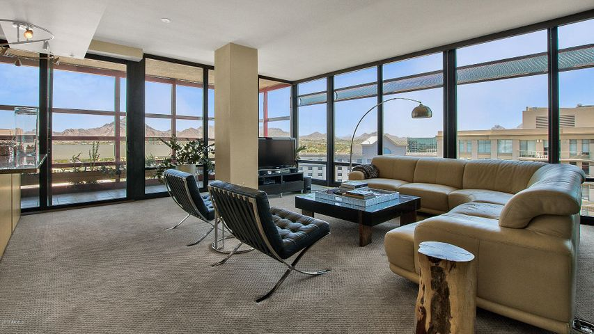 Bright and spacious 3 bedroom and 3 bathroom penthouse