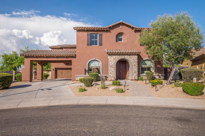 Gorgeous curb appeal! Welcome Home!