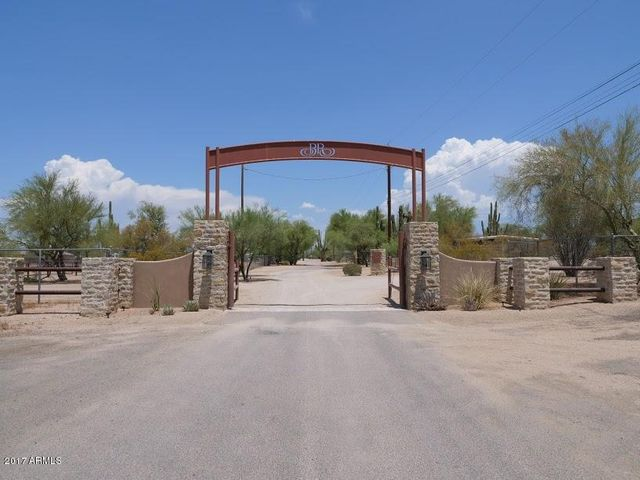 Main Entrance To Bellisima Ranch