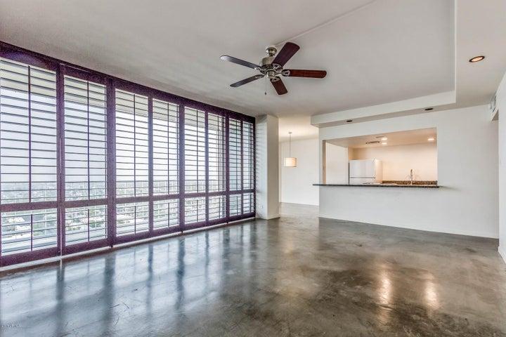 207 W CLARENDON Avenue, 20B, Phoenix, AZ 85013