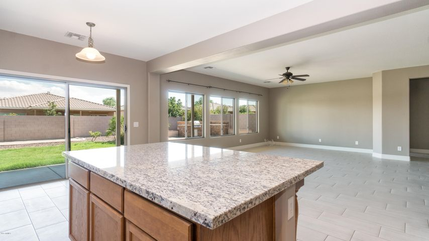 19151 W READE Avenue, Litchfield Park, AZ 85340