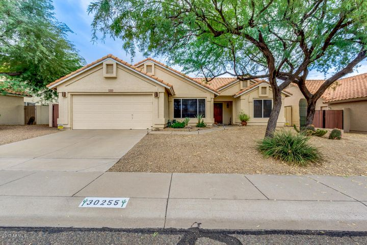 North/ South facing home in Tatum Ranch !Tatum Ranch is a master-planned community that includes 3,418 homes and five commercial sites in the northeast corner of Phoenix, where North Tatum Boulevard and Cave Creek Road meet.