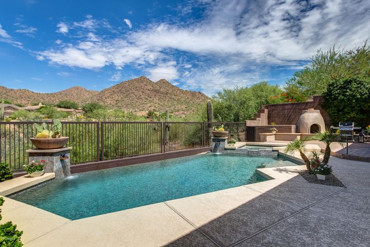 Your own foothills oasis!