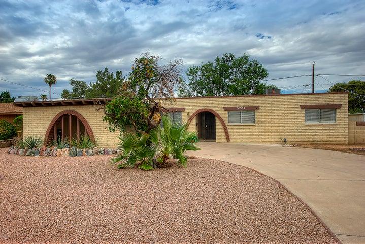 3701 W GRISWOLD Road, Phoenix, AZ 85051
