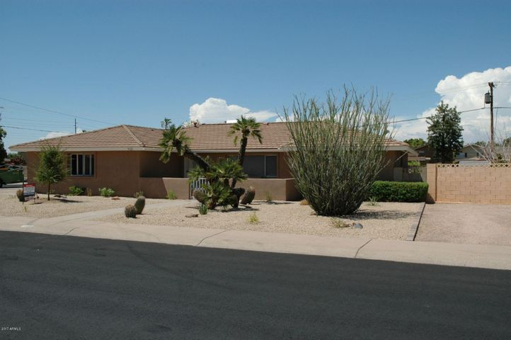 920 E MANHATTON Drive, Tempe, AZ 85282