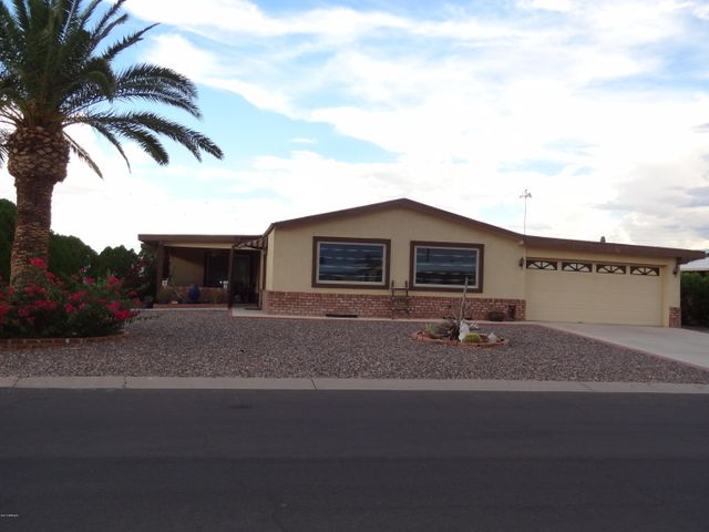 9132 E SUN LAKES Boulevard S, Sun Lakes, AZ 85248