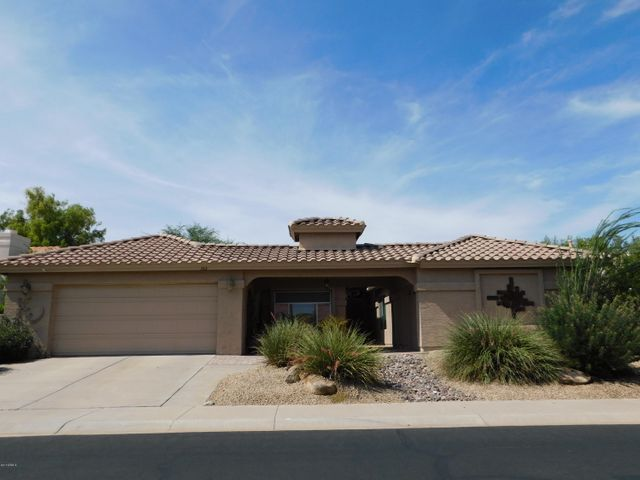 Wonderful Palmera floor plan with addition. Offers 3 Bedrooms & 3 full baths!