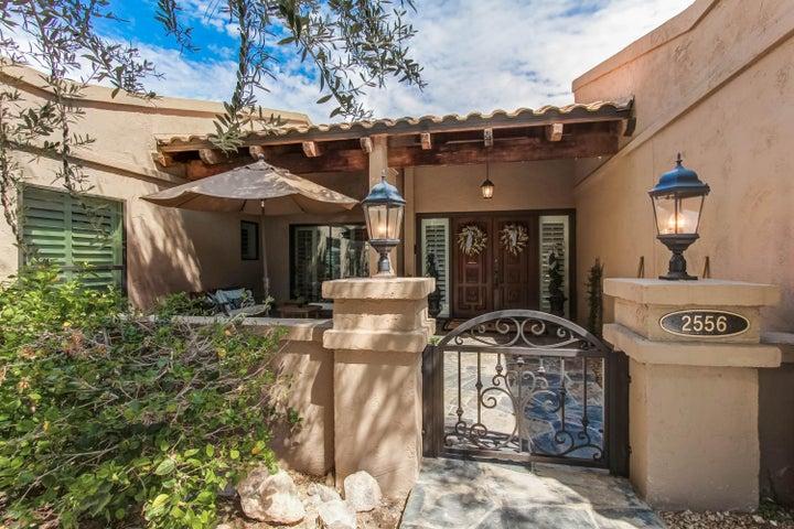 2556 E DENTON Lane, Phoenix, AZ 85016
