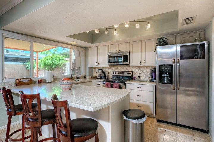 Modern Kitchen w/ Stainless Steel Appliances