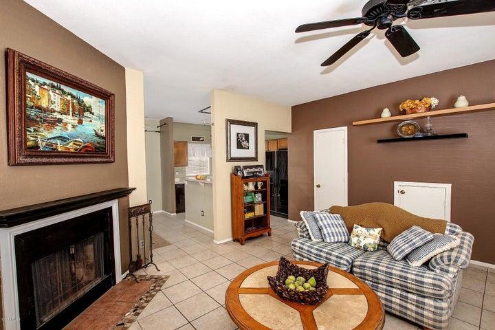 1601 N SABA Street, 303, Chandler, AZ 85225
