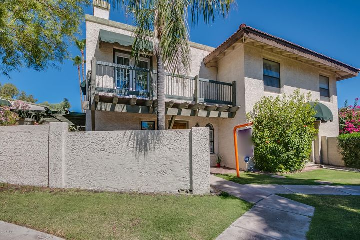 2 bed 1.5 bath townhouse for sale in South Point in Phoenix