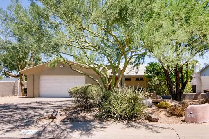 9811 N 27th Place, Phoenix, AZ 85028