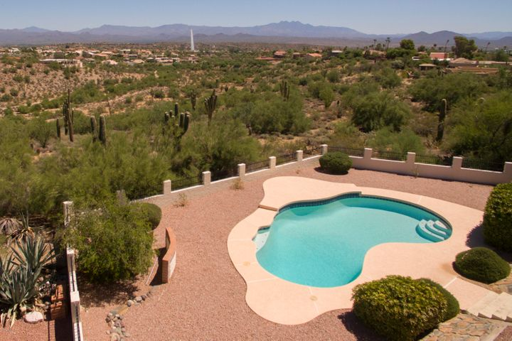 FOUR PEAKS AND FOUNTAIN HILLS FOUNTAIN