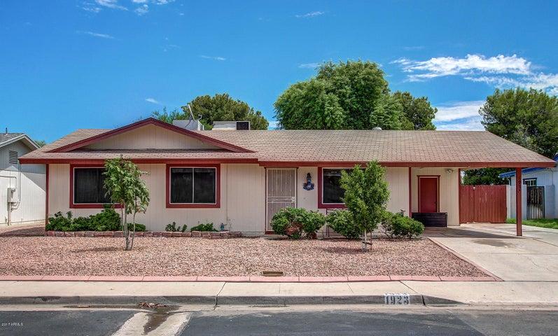 1923 S WINDSOR, Mesa, AZ 85204