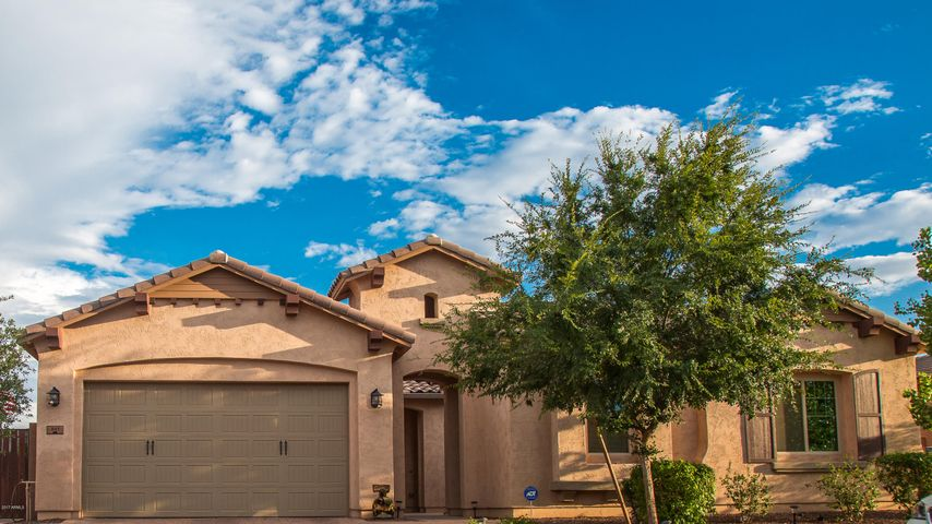 861 E BOSTON Street, Gilbert, AZ 85295