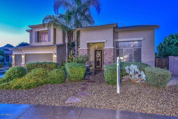 8722 W RUNION Drive, Peoria, AZ 85382