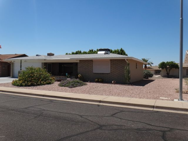 Large lot, great curb appeal
