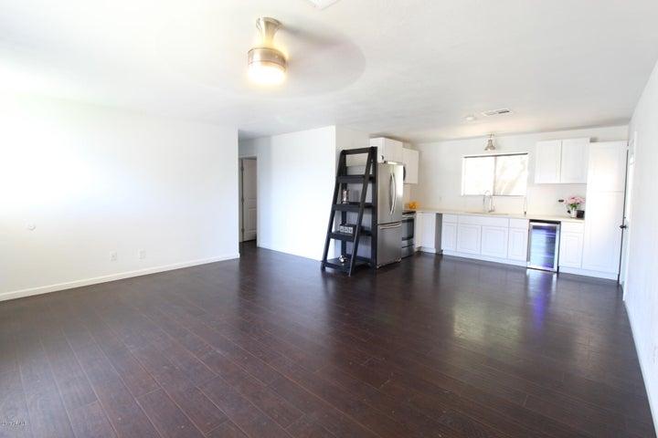 7130 W ROSE Lane, Glendale, AZ 85303