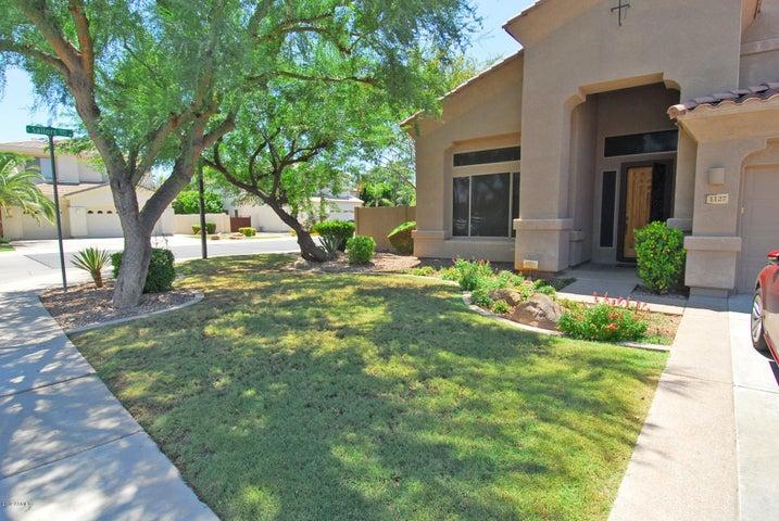 1127 E TULSA Court, Gilbert, AZ 85295