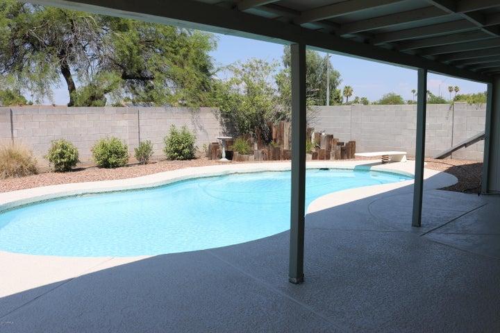 3228 W VILLA THERESA Drive, Phoenix, AZ 85053