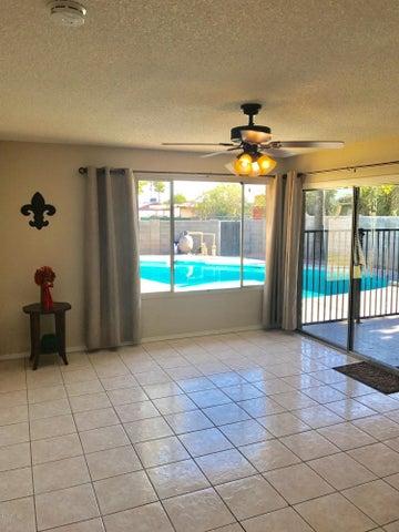 3229 W MESCAL Street, Phoenix, AZ 85029