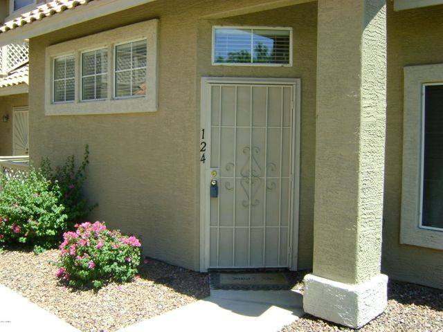 1633 E LAKESIDE Drive, 124, Gilbert, AZ 85234